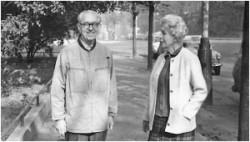 S manželkou Bělou chodil denně na procházky.